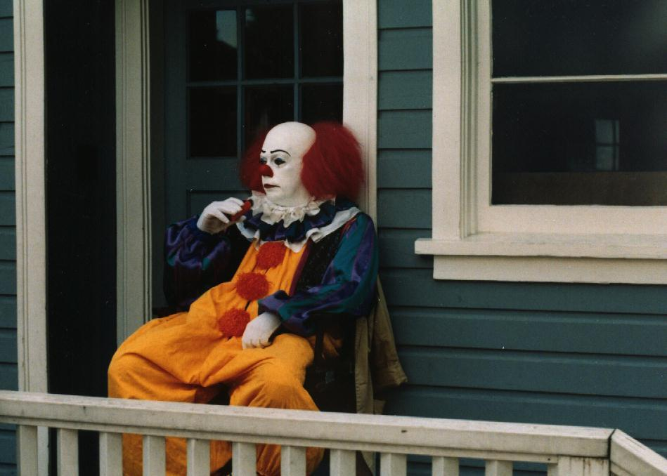 Pennywise-pennywise-23193015-949-678